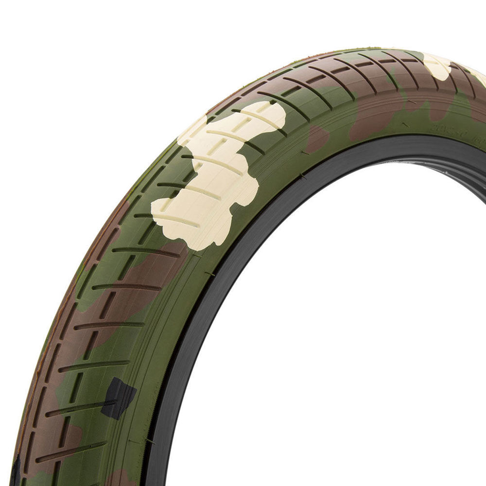 Picture of Mission TRACKER Tire woodland camouflage 20''x2.4''